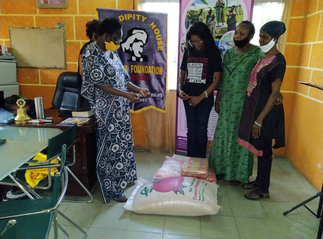 Mrs. Fatunbi Olu-Ojo turns 40 - shares foodstuff with the Widows Centre